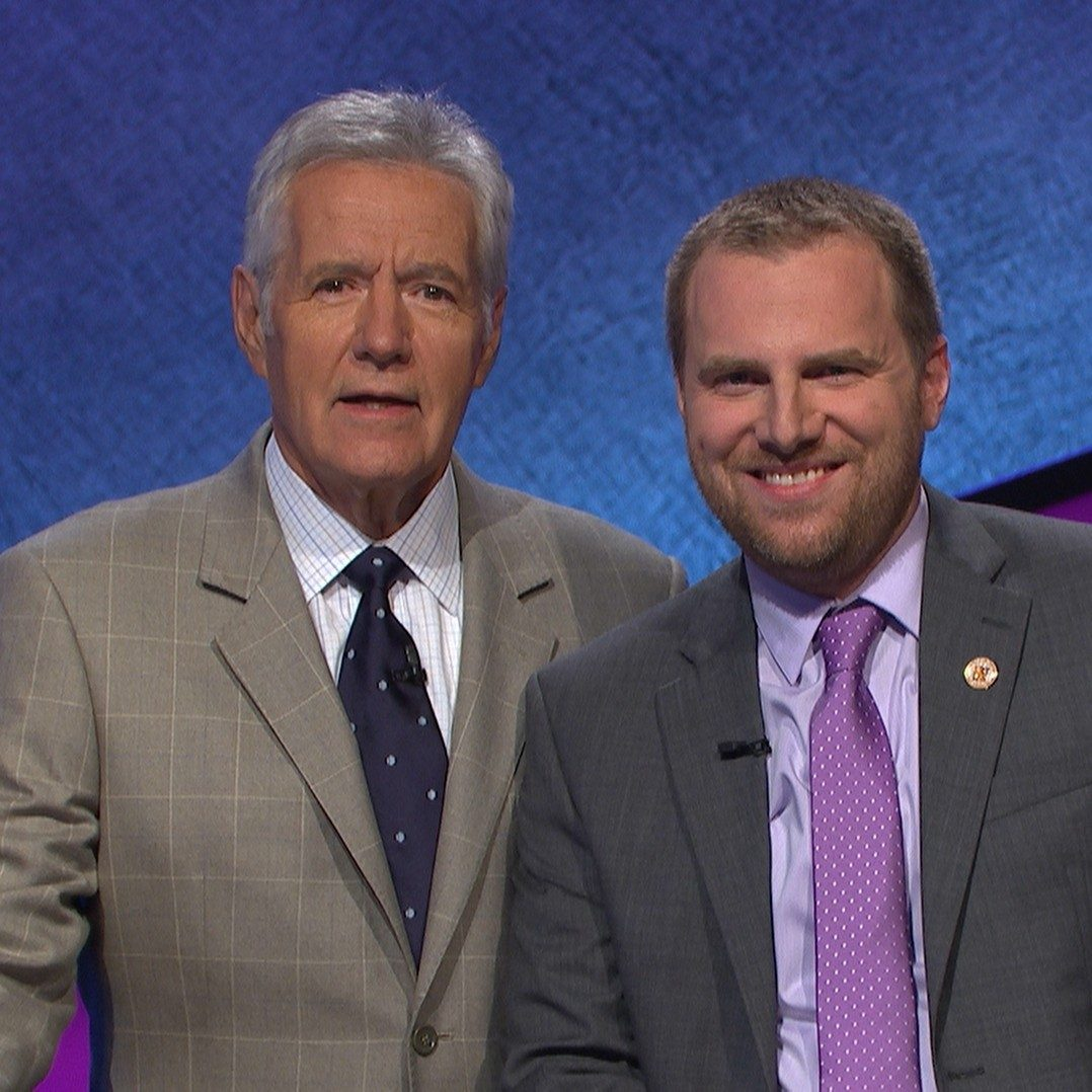 Science lab instructor Craig Tollin fulfills lifelong dream with appearance on 'Jeopardy!'